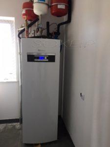 realizacje pompa ciepła wps6k-1 kompaktowa z wbudowanym zasobnikiem ciepłej wody użytkowej 185 l zamontowana pompa ciepła ogrzewa budynek 140 metrów kwadratowych